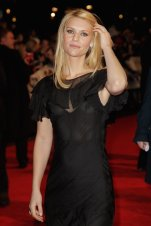 anes_at_the_Me_and_Orson_Welles_UK_premiere_in_London_05