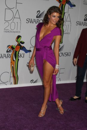 angela_martini_pussy_slip_at_the_2011_cfda_fashion_awards_in_nyc_02