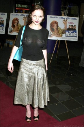 christina_ricci_see_through_at_the_one_night_at_mccools_premiere_in_uk_09