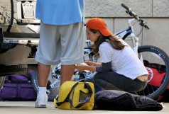 eliza_dushku_thong_slip-working_on_her_car_in_la_02