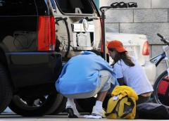 eliza_dushku_thong_slip-working_on_her_car_in_la_03