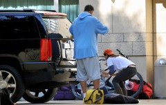 eliza_dushku_thong_slip-working_on_her_car_in_la_04