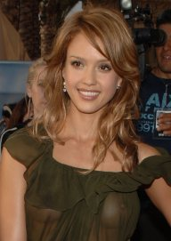 Jessica_Alba__2005_MTV_Movie_Awards_6