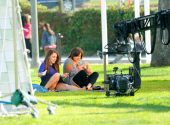 jessica_lowndes_upskirt_on_the_set_of_90210_03