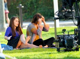 jessica_lowndes_upskirt_on_the_set_of_90210_09