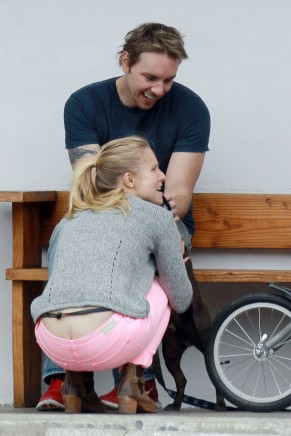 kristen_bell_butt_crack_while_taking_a_bike_ride_in_la_hq_06
