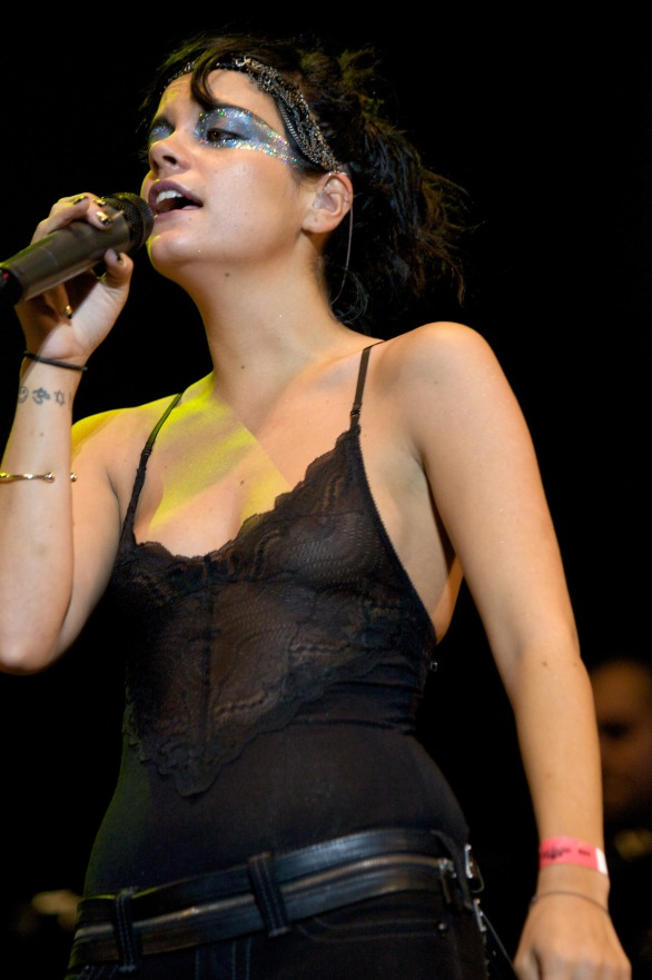 Lily_Allen_see_thru_on_stage_of_the_Way_Out_West_Festival_17
