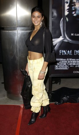 Emmanuelle_Chriqui-Final_Destination_2_world_premiere_in_Hollywood-02
