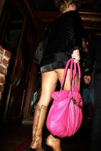 Britney_Spears_at_restaurant_Mirabelle_09