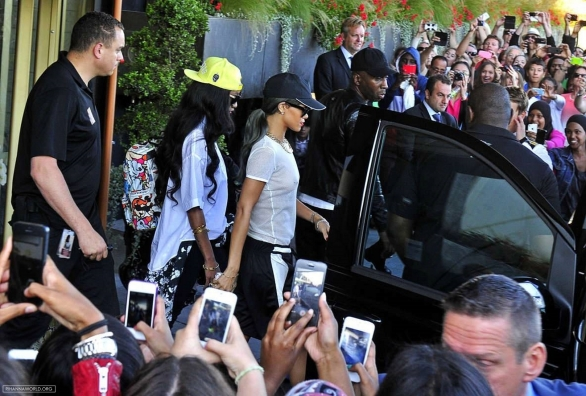 rihanna_see_tru_top_leaving_her_hotel_in_stockholm_11