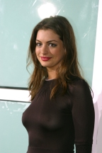 Anne_Hathaway_at_the_The_School_of_Rock_Premiere_in_hollywood_10