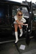 Lindsay_Lohan_goes_shopping_in_Hollywood_01