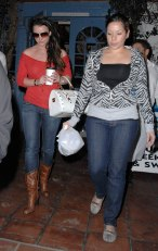 Britney_Spears_out_and_about_in_LA_08