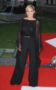 elsa_pataky_at_the_premiere_of_rush_in_london_12