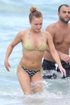 hayden_panettiere_bikini_candids_in_miami_beach_10