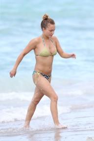 hayden_panettiere_bikini_candids_in_miami_beach_22