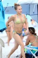 hayden_panettiere_bikini_candids_in_miami_beach_30