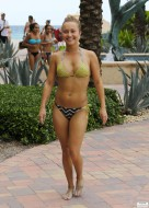 hayden_panettiere_bikini_candids_in_miami_beach_62