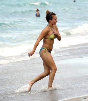 hayden_panettiere_bikini_candids_in_miami_beach_68