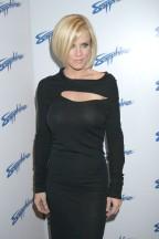 Jenny_McCarthy-5th_Anniversary_of_the_Sapphire_Club_in_Las_Vegas-01