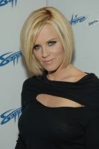Jenny_McCarthy-5th_Anniversary_of_the_Sapphire_Club_in_Las_Vegas-03