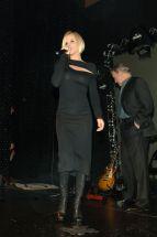 Jenny_McCarthy-5th_Anniversary_of_the_Sapphire_Club_in_Las_Vegas-04