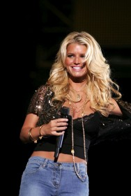 jessica_simpson_performs_at_wango _tango_concert_18