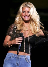 jessica_simpson_performs_at_wango_tango_concert_05