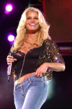 jessica_simpson_performs_at_wango_tango_concert_06