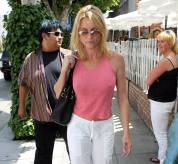 nicolette_sheridan_shopping_in_beverly_hills_07