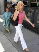 nicolette_sheridan_shopping_in_beverly_hills_11
