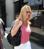 nicolette_sheridan_shopping_in_beverly_hills_14