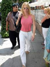nicolette_sheridan_shopping_in_beverly_hills_20