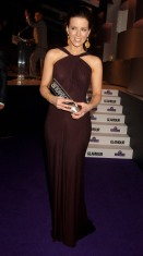 Kate_Beckinsale_Glamour_Woman_Of_The_Year_Awards_Inside_02