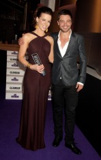 Kate_Beckinsale_Glamour_Woman_Of_The_Year_Awards_Inside_04