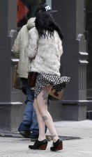 krysten_ritter_upskirt_on_the_set_of_asthma_in_nyc_01